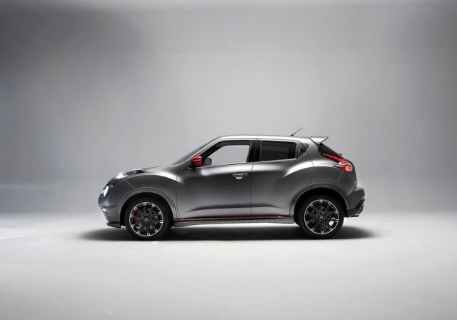 2016 nissan juke nismo rs oopscars. Black Bedroom Furniture Sets. Home Design Ideas