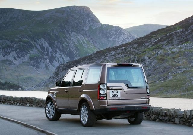 2015_LAND_ROVER_DISCOVERY_pic-5