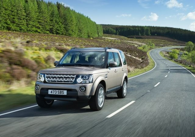 2015_LAND_ROVER_DISCOVERY_pic-8