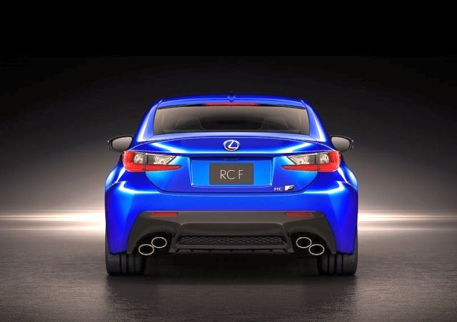 2015_LEXUS_RC-F_rear_pic-12