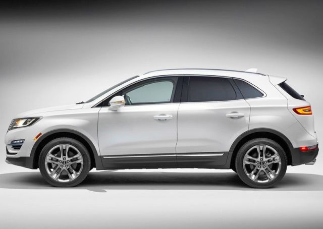 2015_LINCOLN_MKC_SUV_profile_pic-8