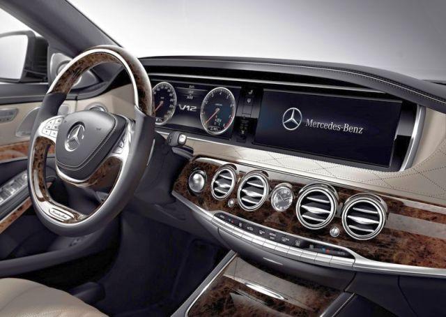 2015_MERCEDES_S600_steeringwheel_pic-7