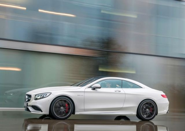 2015_MERCEDES_S63_AMG_Coupe_profile_pic-4