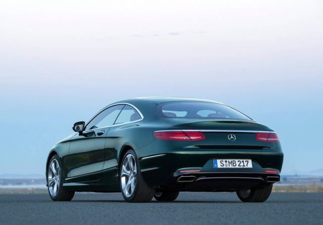 2015_MERCEDES_S_CLASS_COUPE_rear_pic-5