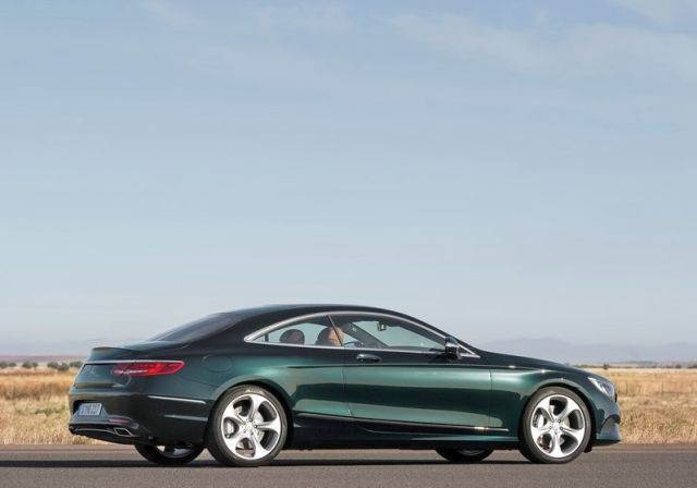 2015_MERCEDES_S_CLASS_COUPE_rear_pic-6