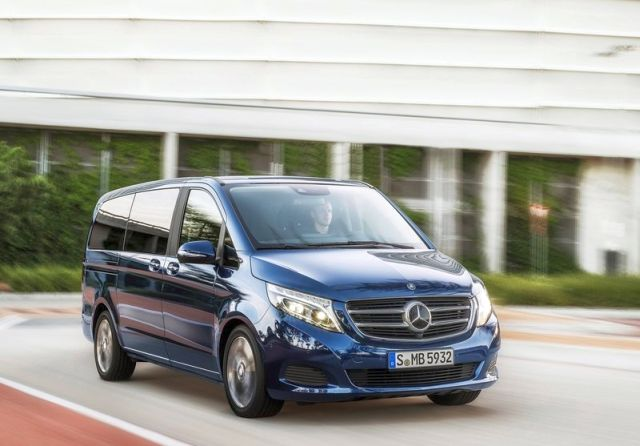 2015_MERCEDES_V_CLASS_front_pic-3