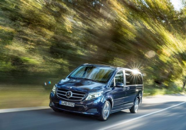 2015_MERCEDES_V_CLASS_front_pic-4