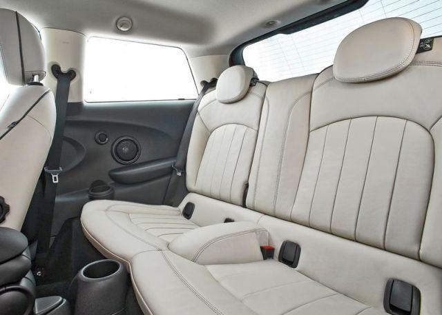 2015_MINI_COOPER_rear_seats-16