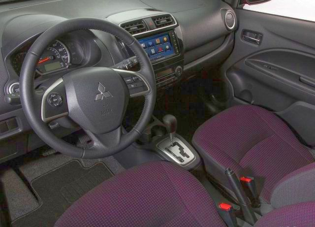 MITSUBISHI SPACE STAR - interior
