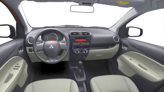 2015_MITSUBISHI_SPACE_STAR_dashboard_pic-5