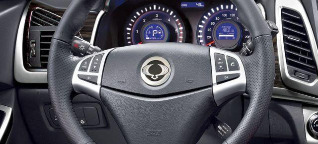 2015_New_SSANGYONG_KORANDO_steeringwheel_pic-11