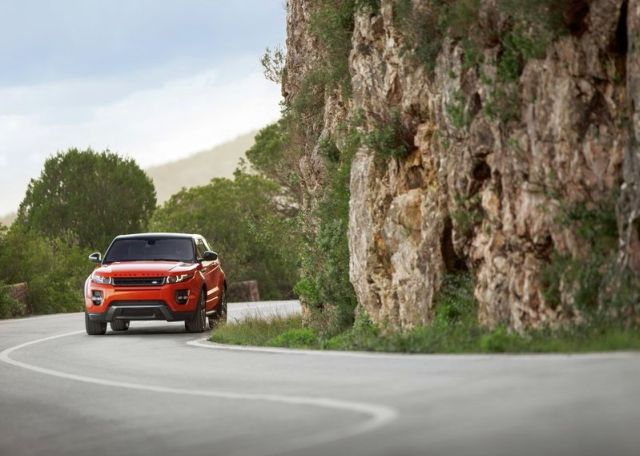 2015_RANGE_ROVER_EVOQUE_AUTOBIOGRAPHY_DYNAMIC_front_pic-5