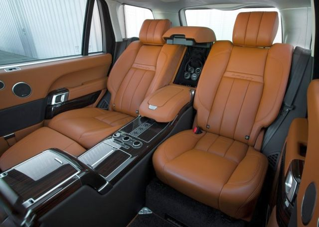 2015_RANGE_ROVER_LWB_rear_seats_pic-13