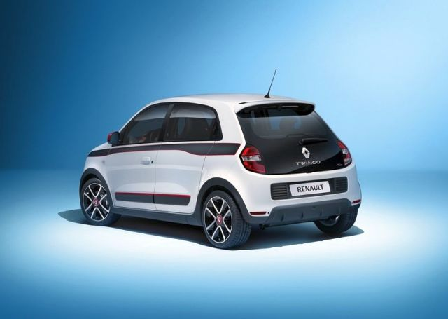 2015_RENAULT_TWINGO_rear_pic-3