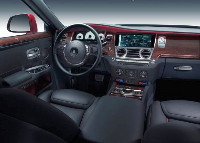 2015_ROLLS_ROYCE_GHOST_SERIES_II_dashboard_pic-5