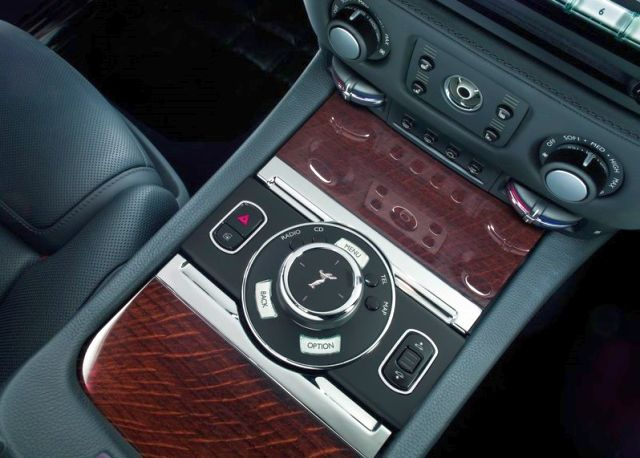 2015_ROLLS_ROYCE_GHOST_SERIES_II_interior_pic-7