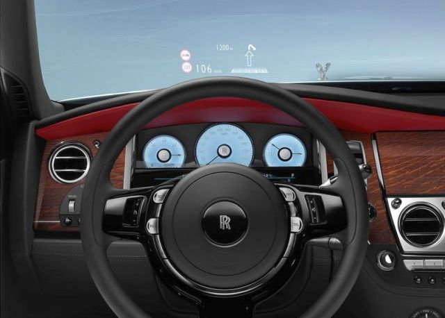 2015_ROLLS_ROYCE_GHOST_SERIES_II_steeringwheel&head-up_display_pic-9