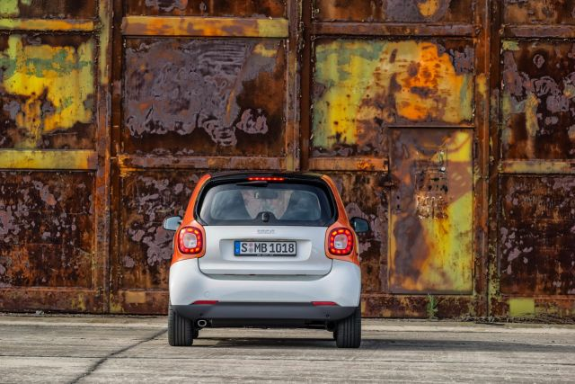 2015_SMART_FORTWO_pic-7