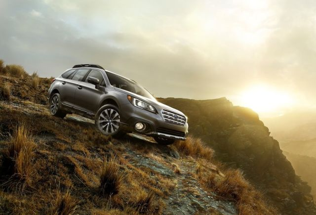 2015_SUBARU_OUTBACK_front_pic-3