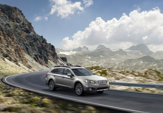 2015_SUBARU_OUTBACK_front_pic-4