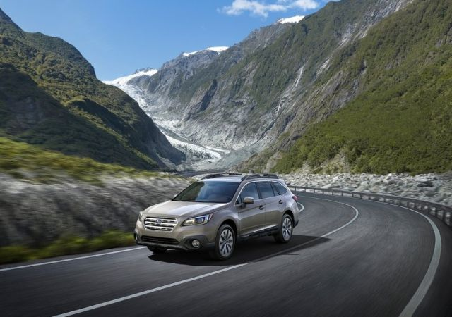 2015_SUBARU_OUTBACK_front_pic-5