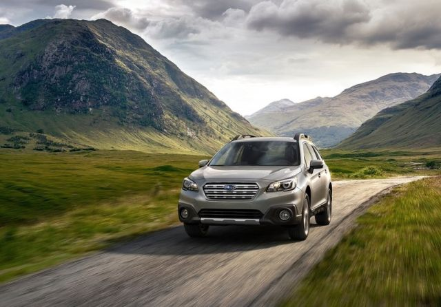 2015_SUBARU_OUTBACK_front_pic-6