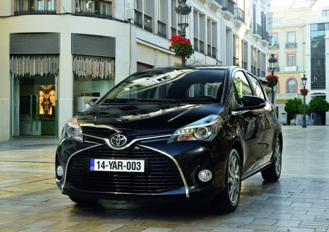 2015_TOYOTA_YARIS_restyle_pic-15
