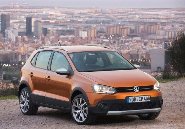 2015_VW_CROSSPOLO_front_pic-4