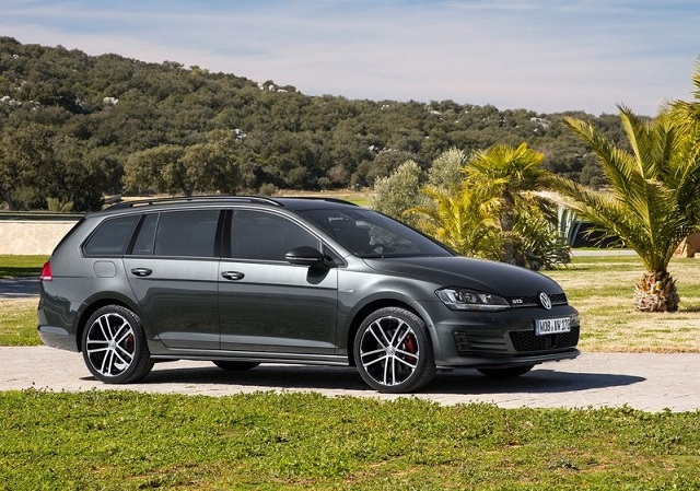 2015_VW_GOLF_GTD_VARIANT_pic-3