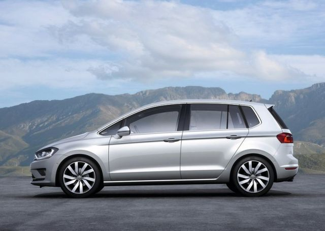 2015_VW_GOLF_SPORTSVAN_profile_pic-3