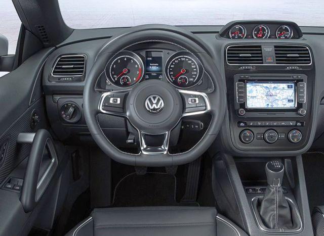2015_VW_SCIROCCO_steeringwheel_pic-5
