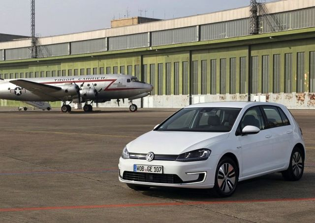 2015_VW_e-GOLF-front_pic-3