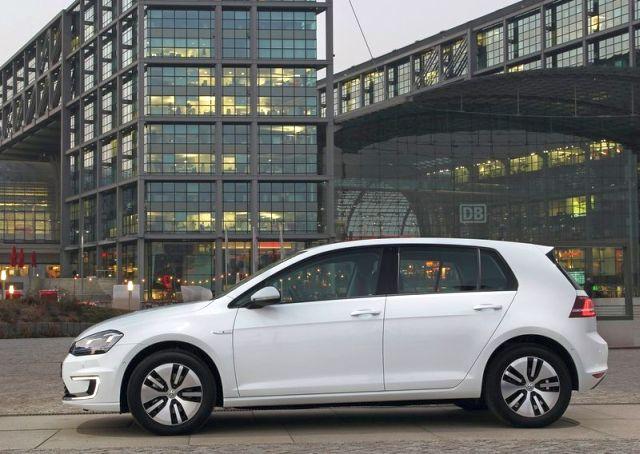 2015_VW_e-GOLF-profile_pic-11