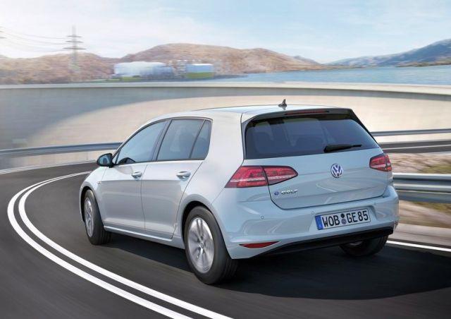 2015_VW_e-GOLF-rear_pic-5