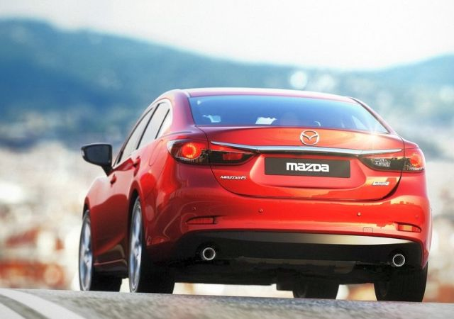 2015_red_MAZDA_6_Sedan_rear-pic-5