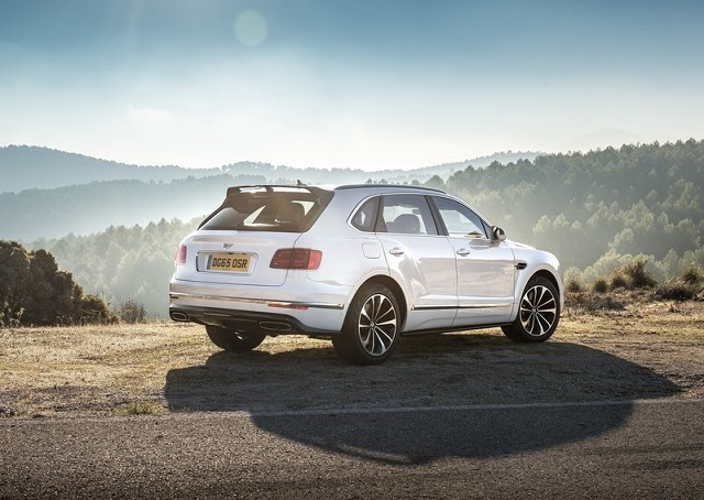 2016_BENTLEY_BENTAYGA_pic-13