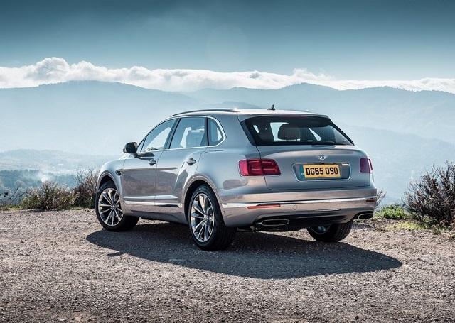 2016_BENTLEY_BENTAYGA_pic-15