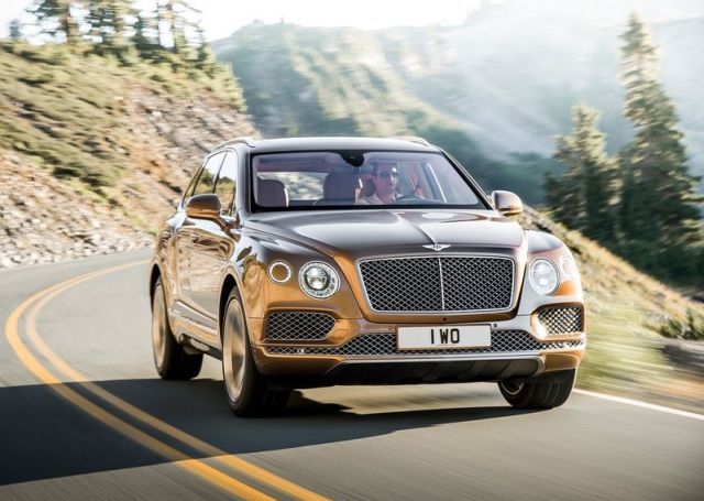 2016_BENTLEY_BENTAYGA_pic-3