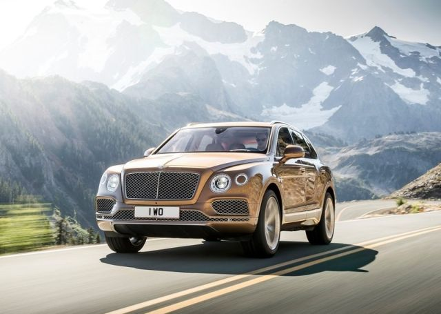2016_BENTLEY_BENTAYGA_pic-4