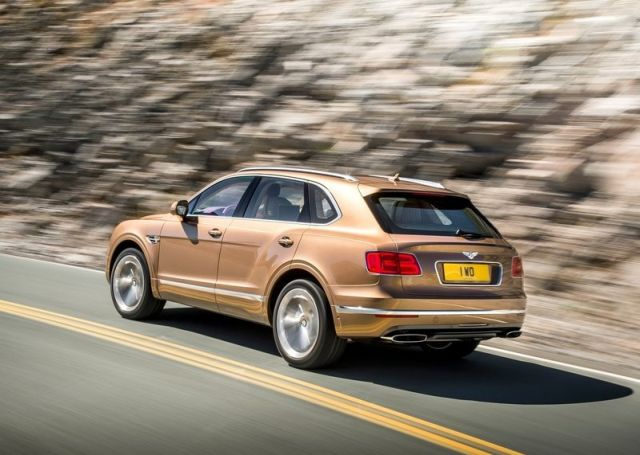 2016_BENTLEY_BENTAYGA_pic-6