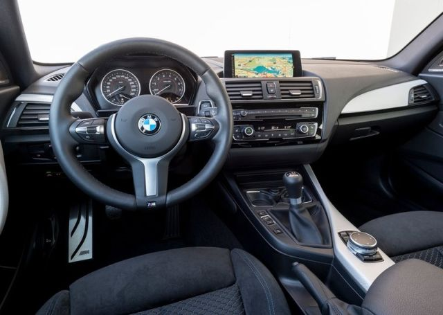 2016_BMW_M135i_pic-7