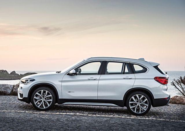 2016_BMW_X1_pic-4