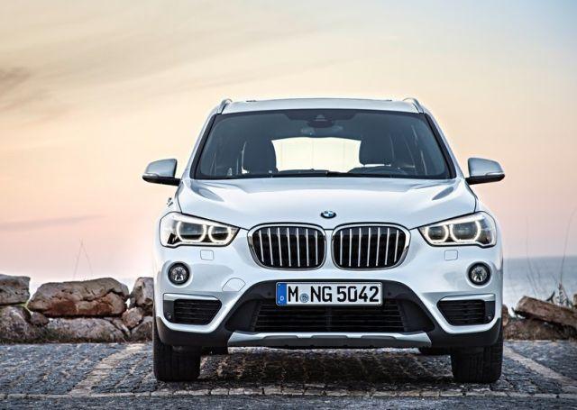 2016_BMW_X1_pic-6