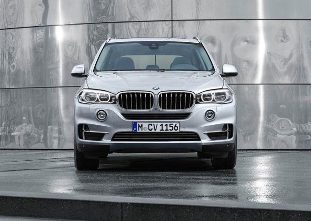 2016_BMW_X5_xDrive40e_pic-5