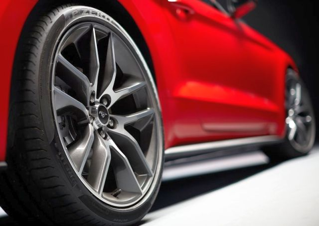 2016_FORD_MUSTANG_GT_wheels_pic_13