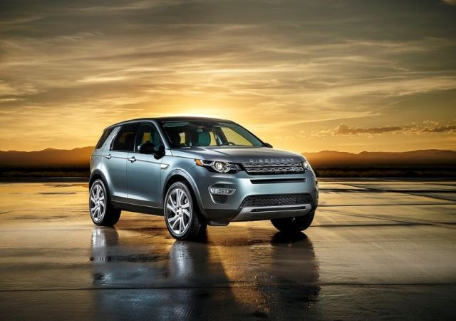 2016_LAND_ROVER_Discovery_Sport_pic-4