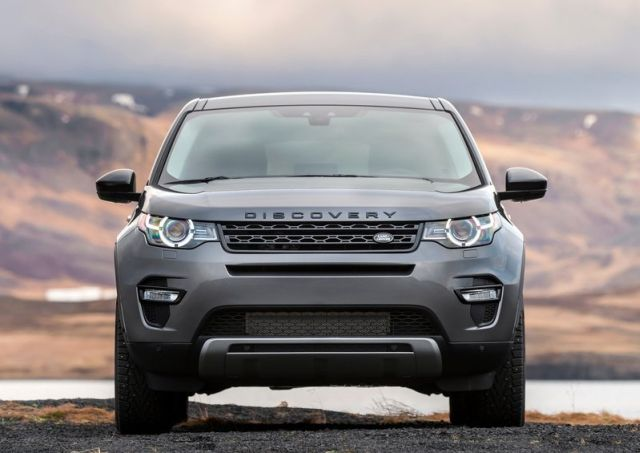 2016_LAND_ROVER_Discovery_Sport_pic-9