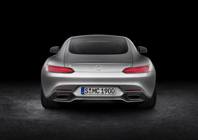 2016_MERCEDES_AMG_GT_pic-19