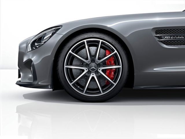 2016_MERCEDES_AMG_GT_pic-22