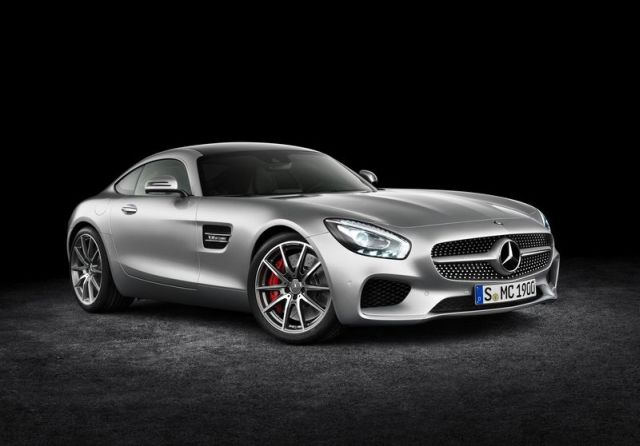 2016_MERCEDES_AMG_GT_pic-4